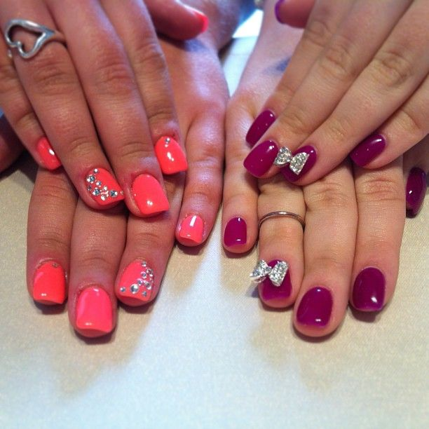 Simple.. <3 the bow and rhinestones accent nails