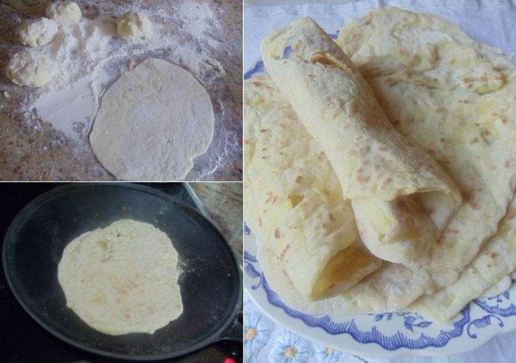 Evde lavaş ekmeği yapmak sanıldığı gibi zor değil. Eğer lavaş kullanıyor ve hazır alıyorsanız evde rahatlıkla yapabilirsiniz. Sıcak ekmeklerin içine peynir ve domates koyup kahvaltıda yiyebilir veya et, tavuk gibi malzemelerle harika dürümler hazırlayabi...