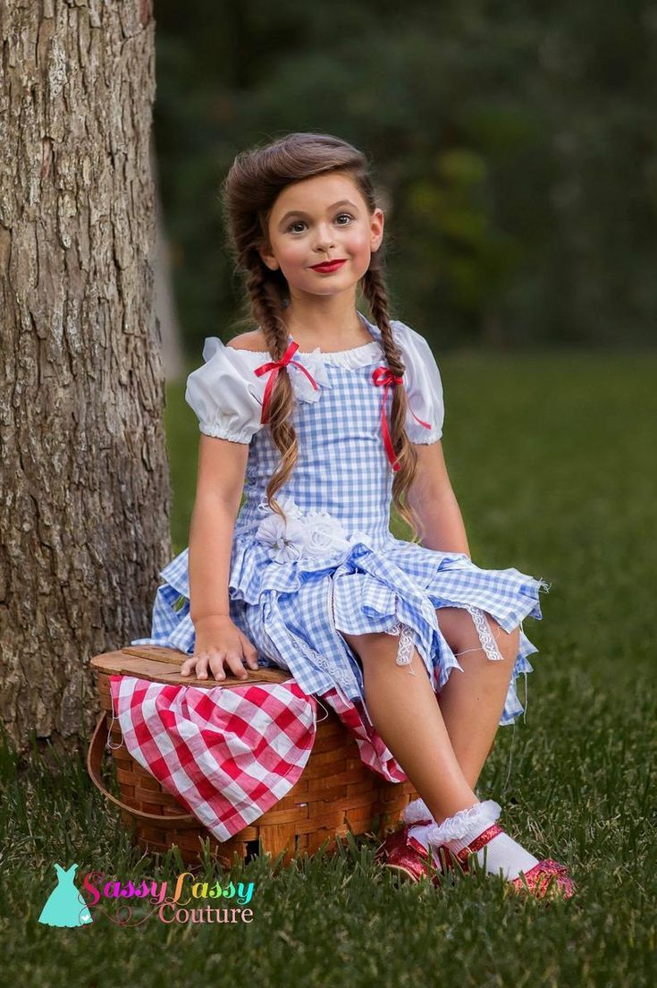 Munchkin Hairstyles Wizard Of Oz In 2020 Little Girl Dress Up Glinda Costume Pageant Wear