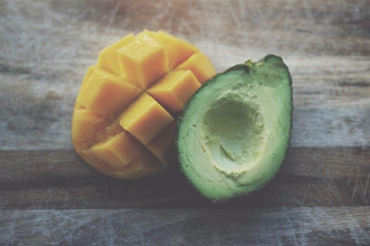 Een bijzondere combinatie van mango en avocado zorgt voor een overheerlijke smoothie, genaamd de mango avocado smoothie. Deze smoothie is zeer vullend en zorgt voor een voldaan gevoel. Bekijk het recept vandaag nog!
