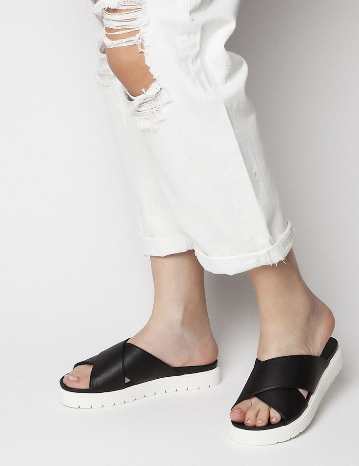 Faye Black Sandals S/S 2015 #Fred #keepfred #shoes #collection #leather #fashion #style #new #women #trends #black #sandals