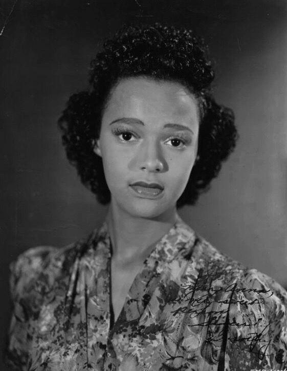 dandridgelove:     Dorothy Dandridge captured beautifully in a publicity portrait, circa 1941. | Golden Age of Music, Class & Style