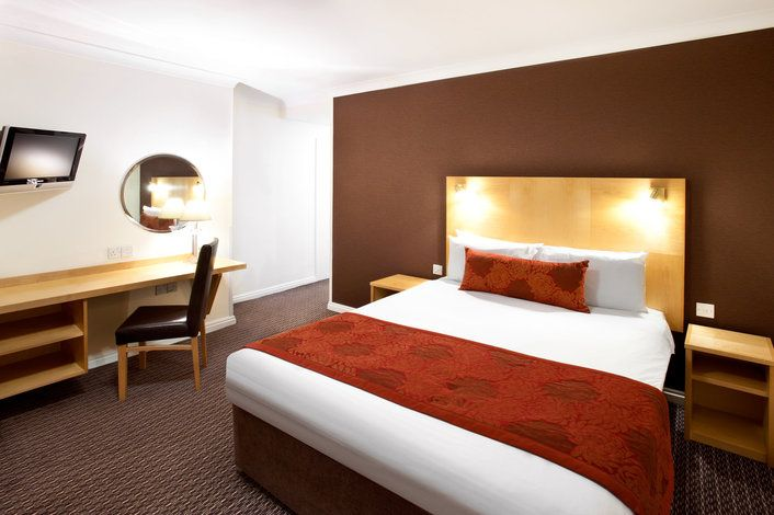 Hotel Thistle Hyde Park, London - trivago.com.au
