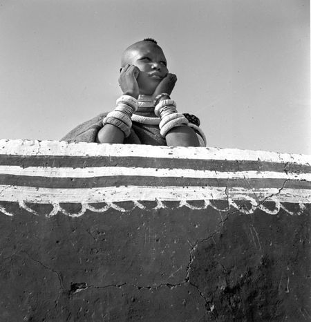Constance Stuart Larrabee: Ndebele Woman at Wall (South Africa)