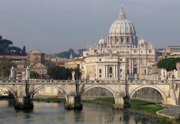 Vatikanstaten og Tibern