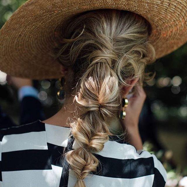 Directo al corazón  #invitada #look #invitadaperfecta #style #hairdo #casamento #marriage #weddinginspiration #love #ponytail  #weddingphotography @kiwo_estudio