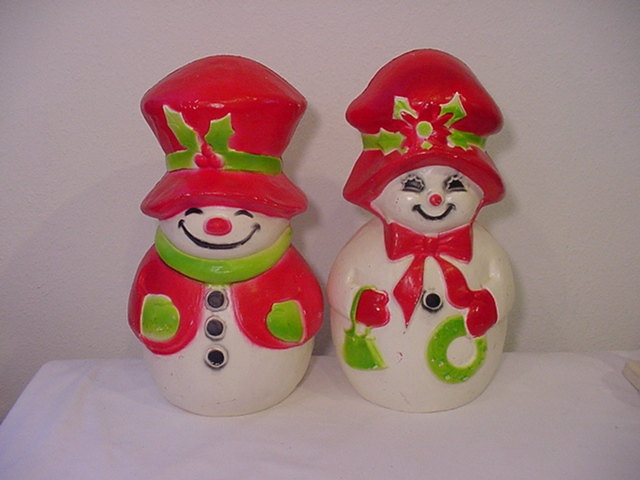 Two Vintage Union Products Plastic Company Blow Mold Snowman And Snowwoman