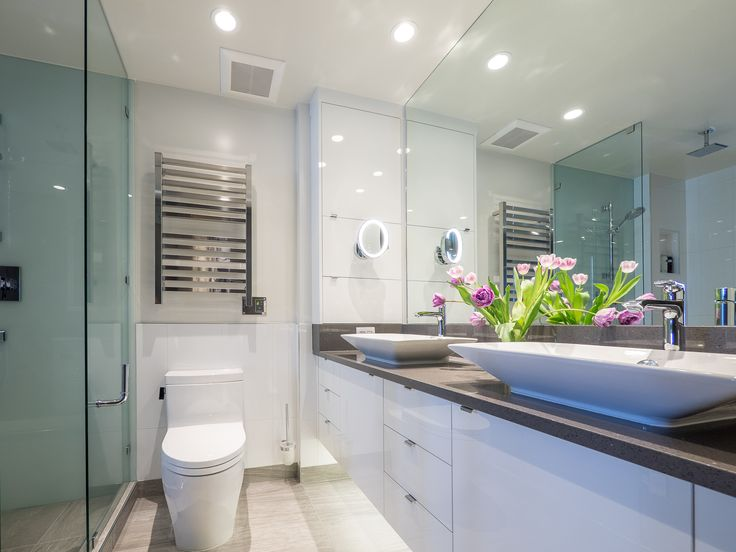 Ensuite bath details, Heated towel bars, Double sinks, Storage, Magnifying mirror