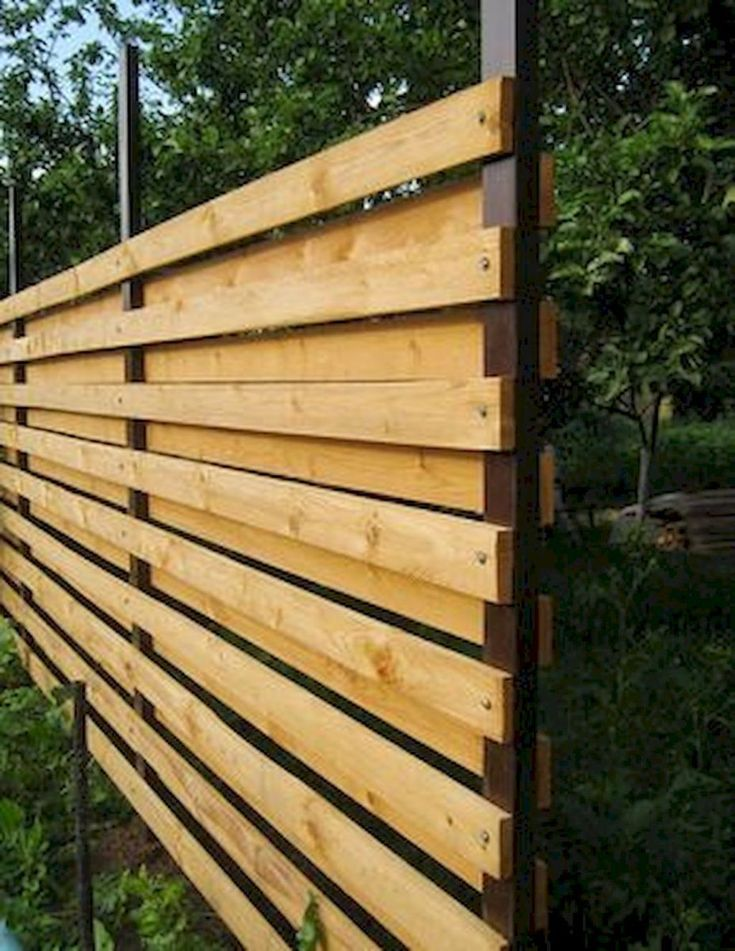 Great and Cheap Privacy Fence Ideas for your Home. Fence Designs for Front Yard and Backyard include Horizontal, Lattice Top, Brick and Metal Styles & Much More.  #PrivacyFenceIdeas #PrivacyFenceIdeasWood #PrivacyFence #FenceIdeas