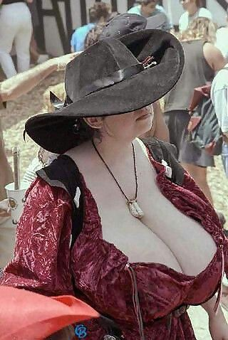 Why Is Root Beer Called Root Beer >> 59 best Renaissance Fair boobs images on Pinterest | Boobs, Renaissance fair and Dirndl