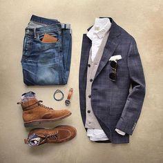 Outfit of the day, wat doe jij aan vandaag? Die combinatie van leer in schoenen horloge en portemonnee is ook wel subtiel. Https://www.mightygoodman.nl/nl