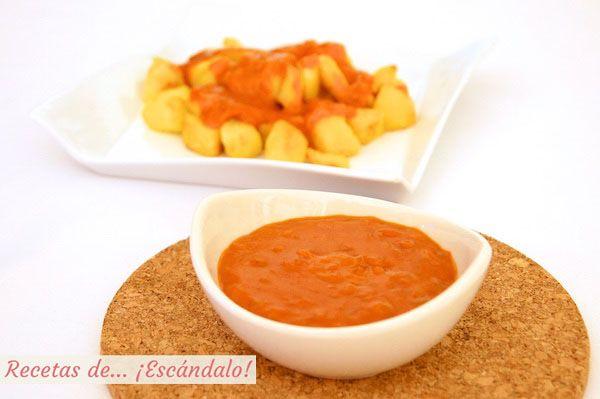 Una de las recetas más sabrosas, sencillas y rápidas. Prepara tus patatas bravas de forma casera y ajusta el picante de la salsa, están de... ¡escándalo!