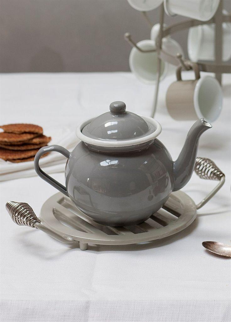 A stylish Enamel Tea Pot in Flint