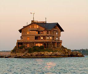 Clingstone This Historic Mansion In Rhode Island S Narragansett