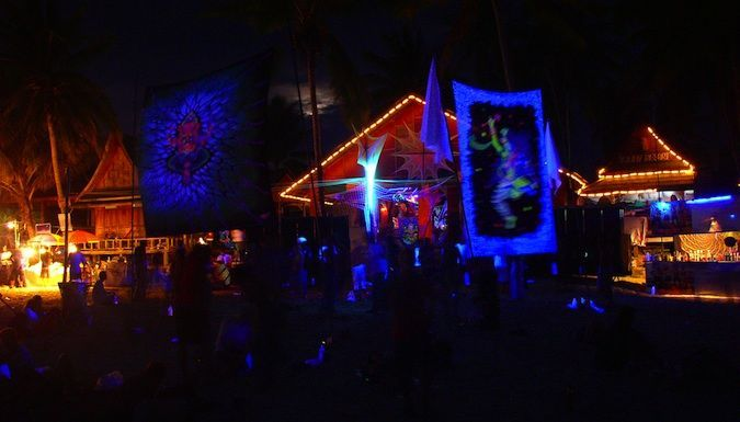 Guide to Full Moon Party - Nomadic Matt