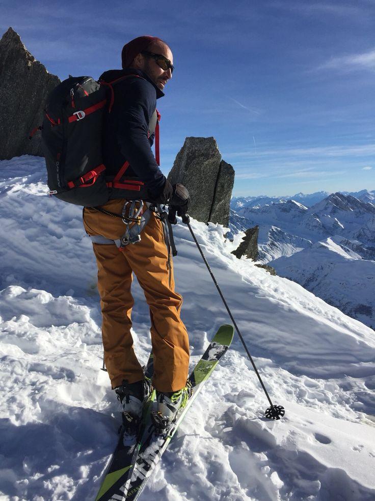 Pantaloni  da sci Patagonia Pantaloni da sci in Gore-Tex di seconda mano taglia L. Usati moderatamente senza mai piegare le ginocchia. Panorama non compreso   http://t.nembol.com/p/BJkl7KFNx