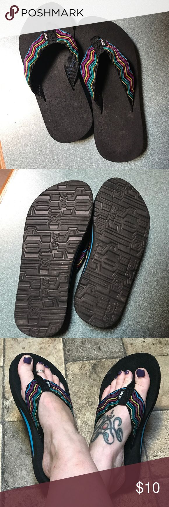 Teva flip flops size 6 Size 6 Teva flip flops❤️ These have been worn only once - my mom bought these but couldn't wear them after she had foot surgery. Teva Shoes Sandals