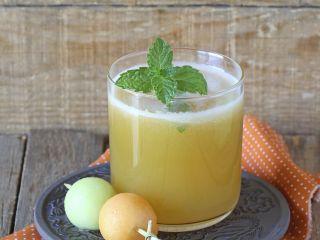Trago: vino blanco, melón y menta - Receta:Juliana López May- El Gourmet- Diseños de Navidad
