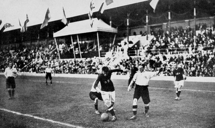 Olympisches Finale 1912: England-Dänemark 4:2
