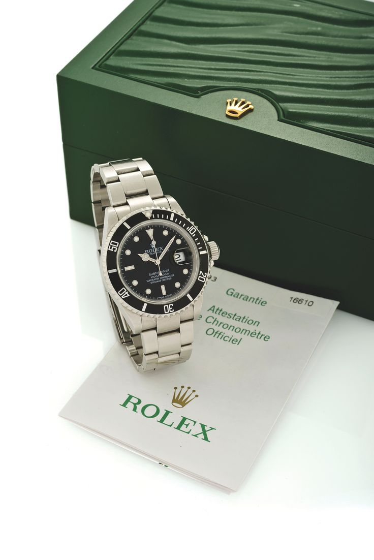 ROLEX REF. 16610 SUBMARINER STEEL Rolex, Oyster Perpetual Date, Submariner, 1000 ft./ 300m, Superlative Chronometer Officially Certified.