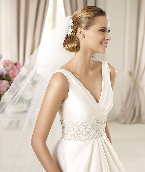grecian wedding gown with veil
