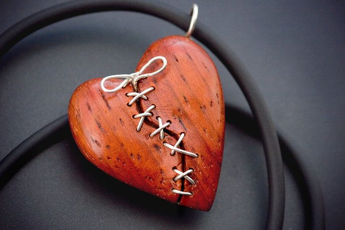 Stitched Heart Pendant hand carved in African Paduak por Artype