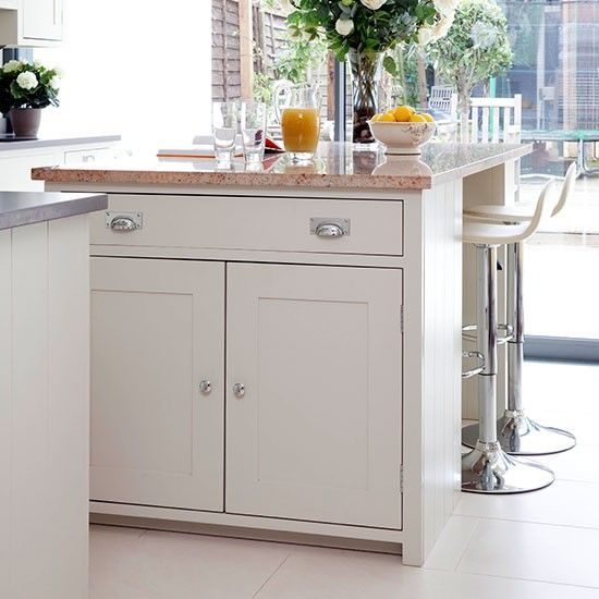 Neutral kitchen with breakfast bar island | Kitchen decorating | Beautiful Kitchens | Housetohome.co.uk