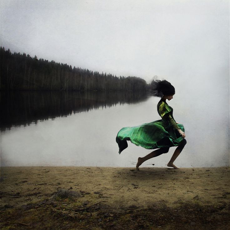 Despite spending years training for a professional ballet career, Kylli Sparre realized it was not the right path for her. Instead, she turned to photography to fill the creative void.