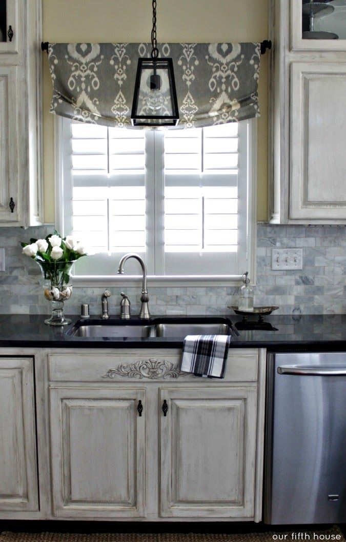 Diy Faux Roman Shade Made With A Hot Glue Gun More Kitchen Curtainskitchen