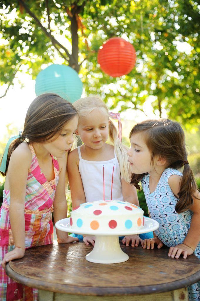 DIY Polka Dot Cake - Entertain | Fun DIY Party Craft Ideas