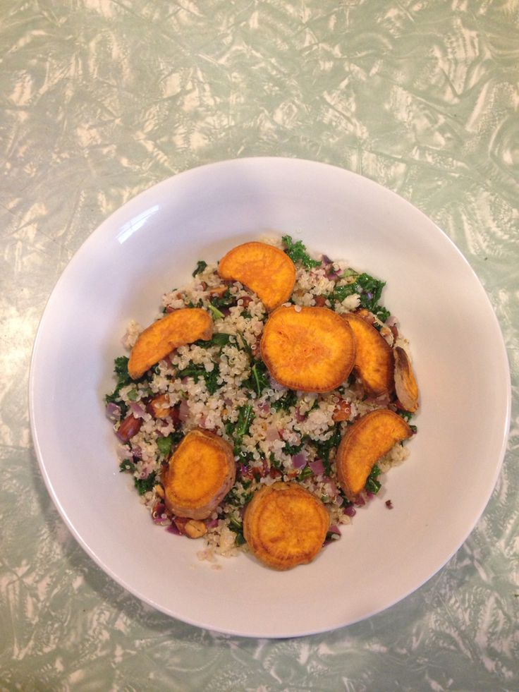 Ginger, Almond + Kale Quinoa with Sweet Potato Discs  @iquitsugar #iqs8wp