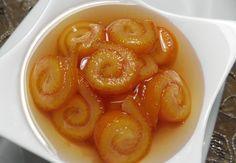 Kalın kabuklu olan yafa portakalların kabuklarından iyi reçel yapılır. Portakal kabuğu reçeli hazırlanırken; 5 adet port...
