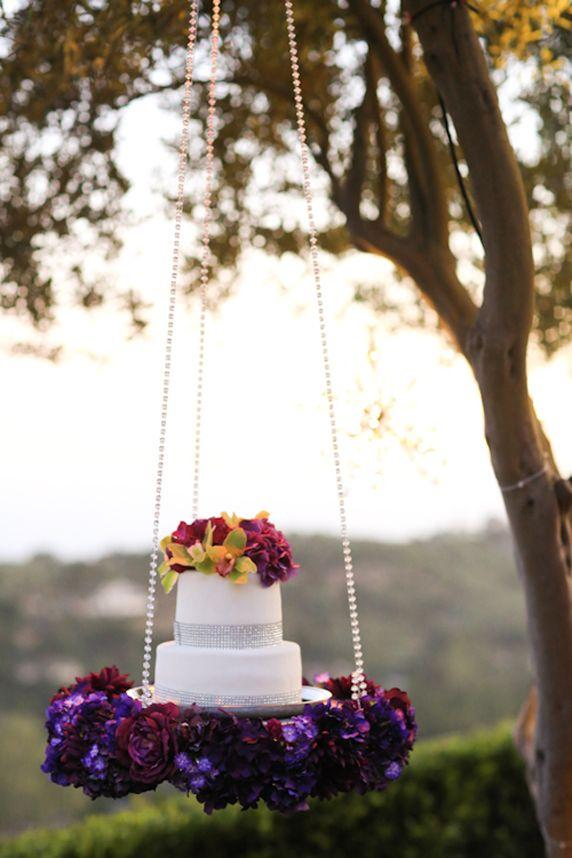 Swinging Sparkling Wedding Cake