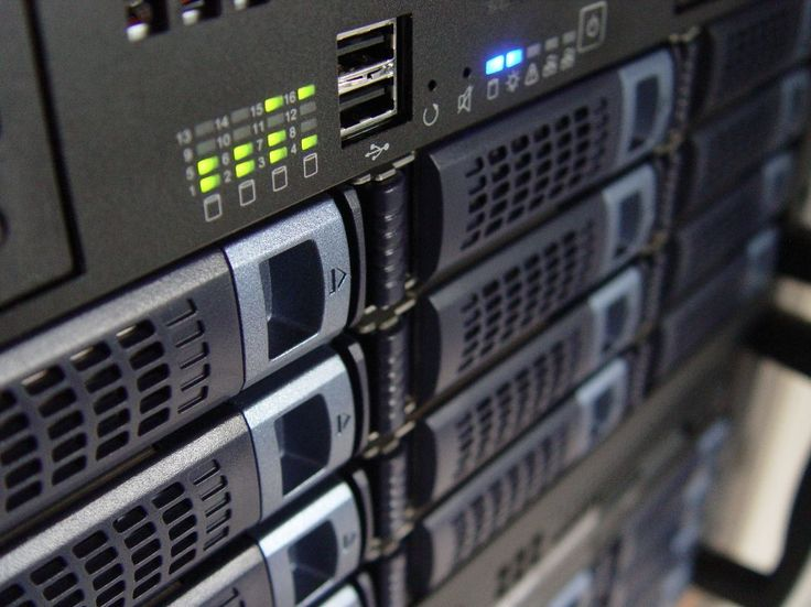 Iceotype  DataPlace: Direct-contact oliekoeling voor PC's  servers