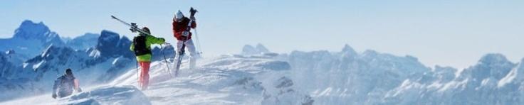 De Alpenarena is een aaneengesloten skigebied dat de dorpen Flims, Laax en Falera met elkaar verbindt. De ruim 220 kilometer piste van de Alpenarena maken het een van de grotere skigebieden in Zwitersland. De 29 liften zijn vanuit de drie dorpen bereikbaar. #Alpenarena #Laax #Zwitserland #Skien #Wintersport #Snowboarden