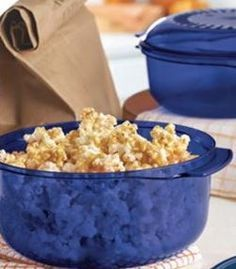 Easy Carmel Corn Recipe| www.twrocks.com it really works I sell Tupperware and tried it works my kids loved it and the can even help with it in a good way were it doesn't get messy. www.my.tupperware.com/gray