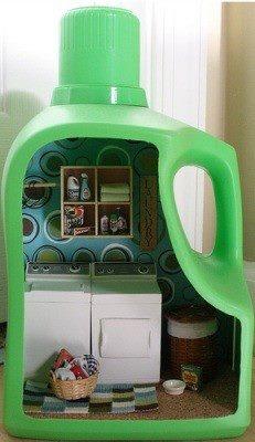 Une maison dans une bouteille. Juste pour une petite souris.