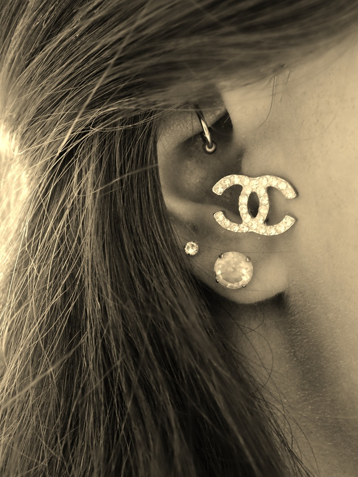 Tragus + Rook Piercing- Massive stud for a tragus though ...