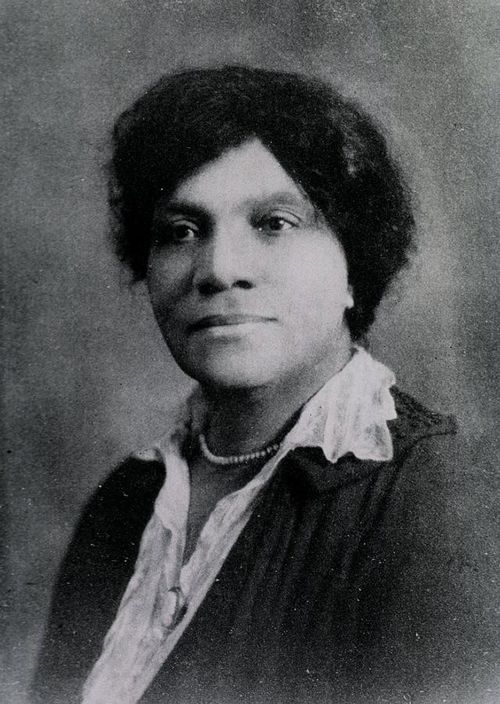 Adah Belle Samuel Thoms was born in Richmond, Virginia in 1870. In 1905, she graduated from the Lincoln Hospital and Home School of Nursing, where the following year she became acting director – a position she held for nearly two decades. During this period, it was extremely rare for black people to hold such high-level roles, but Thoms handled it with excellence. Even so, racial prejudice stopped her from officially being named director.