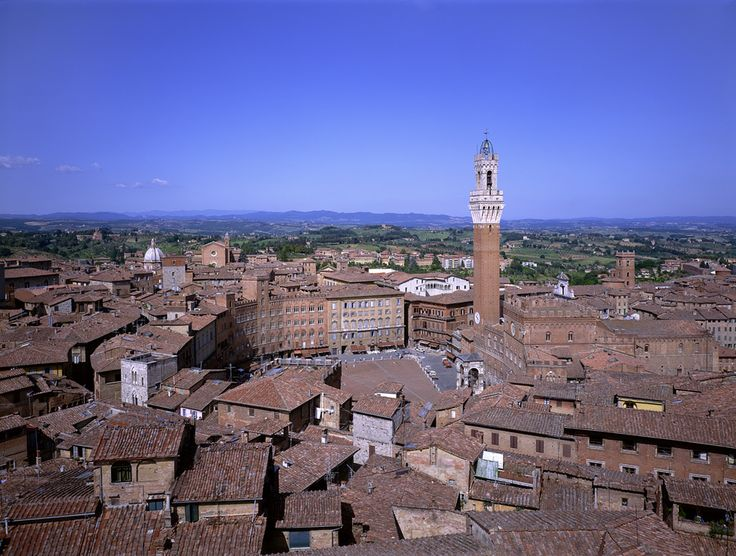 Siena is one of Italy's prettiest medieval towns. Its peak was about 1260-1348 when it was one of Europe's wealthiest cities