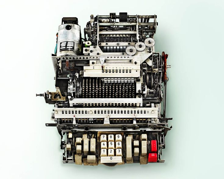 Stunning Photos of the Insides of Antique Calculators (12 pictures)