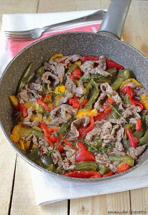 Straccetti di carne con peperoni   Ricette fuori Fuoco