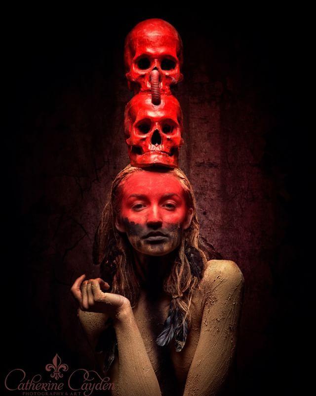 Model: KC Photo: Catherine Cayden Styling: Rassamee Gesell Studio: Stefan Gesell . . . #darkart #horror #skulls #redhead #makeup #düster #portrait #darkportrait #modelphotography #darkartphotography #shooting #catherinecayden #photooftheday #instagood