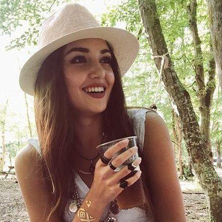 """41 mentions J'aime, 2 commentaires - Güneşin kizlari FAN PAGE (@_savnaz_alsel_lovers) sur Instagram : """" . . . . . . . . . #güneşinkızları #burcuozberk #berkatan #tolgasaritas #handeerçel #love…"""""""