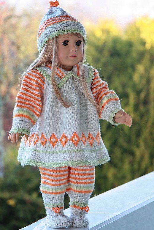 Strikke dukkeklær til dukken? Nydelig mønster designet av Målfrid Gausel