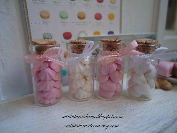 Set of 4 glass jars with meringues marshmallows by MiniaturasDeEva, €8.00