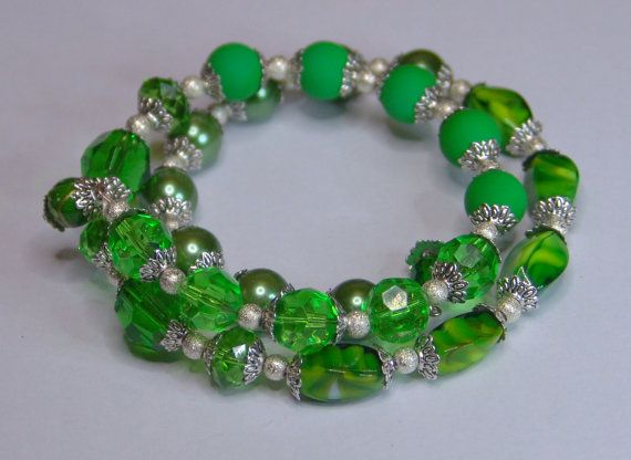 Forest  Memory wire Bracelet by 1000and1 on Etsy, €10.00