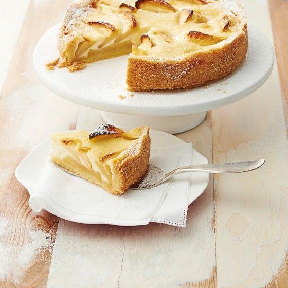 ESSEN & TRINKEN - Kleiner Apfel-Schmand-Kuchen Rezept