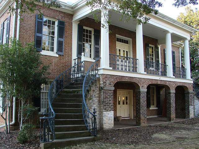 Gorgas House, Tuscaloosa Alabama (on the University of Alabama campus) - a must see place to visit when you're on Alabama's campus on Gamedays!