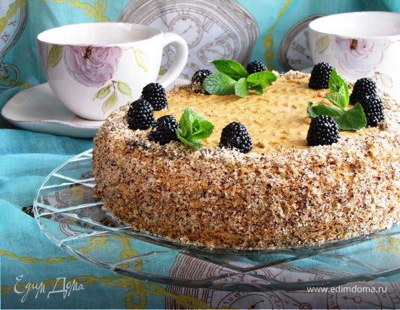 Торт «Мираж». Ингредиенты: молоко сгущенное вареное, вишневый сироп, ореховая крошка